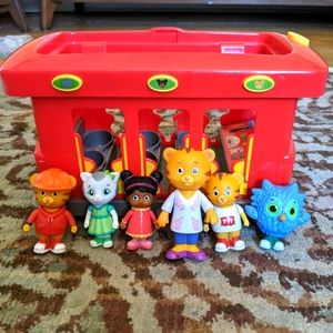 Daniel Tiger trolly and characters